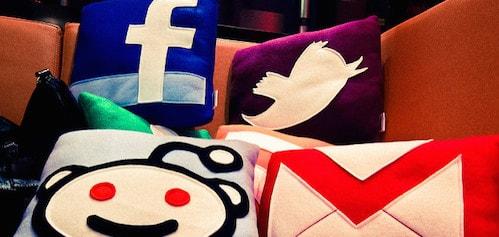 social-media-pillow-min